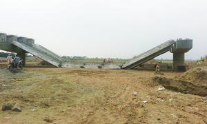 Probe into Jhelum bridge collapse begins