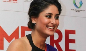 This just in: Kareena swipes lead role in Sonam Kapoor chickflick