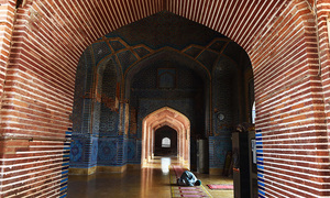 Fading splendour of Thatta's Shah Jahani mosque