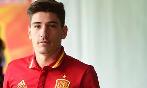 Bellerin in for Carvajal as defending champions Spain name squad for Euro '16