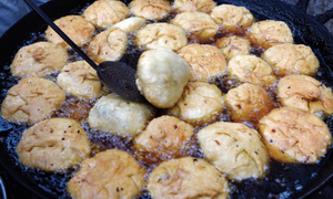 Feasting on pakoras, samosas and kachoris in Ramazan