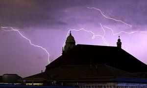 آسمانی بجلی گرنے سے کیسے محفوظ رہا جائے؟