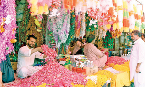 Flower dealers expect to sell about 30,000kg flowers