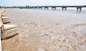 Flash floods hit barrages amid forecast of heavy rains in Sindh