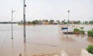 Over 5,000 marooned villagers in Naushahro Feroze seek relief goods