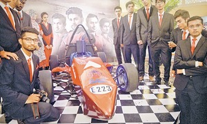 Pakistani students race on!