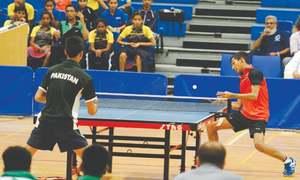 Sri Lankans hog limelight, Pakistan players struggle