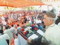 Khurshid tells Centre not to interfere in Sindh's affairs