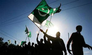 Would Pakistani people follow the Turks to reject a coup?