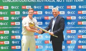 Australia opt for two spinners in first SL Test