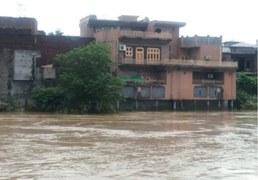 Breach in nullah banks inundates Sialkot villages