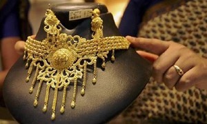 Local gold price rises by Rs450