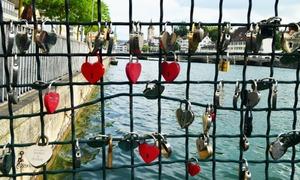 زیورخ: آبشاروں کے شہر میں دل والوں کے تالے