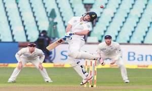 Compact New Zealand strangle Proteas on first day