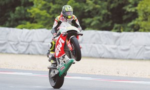 Crutchlow wins rain-hit Czech MotoGP