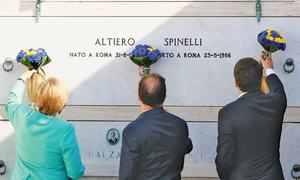 Big three leaders pay tribute at EU  symbolic birthplace