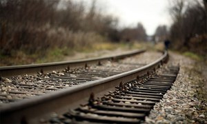 ریلوے ٹریک کے ارگرد بجری کیوں ہوتی ہے؟