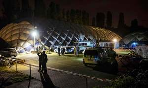 German police shoot dead knife-wielding refugee during attack on Pakistani