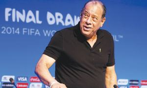 Brazil great Carlos Alberto dies at 72