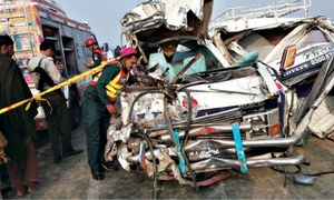 Three friends among six killed in two accidents