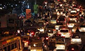 Massive traffic gridlock in Karachi leaves commuters frustrated for hours