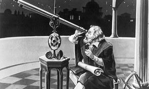 300 سال کا فرق، 8 جنوری 2 عظیم محققین کا دن