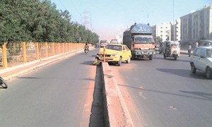Karachi's 'faulty' road designs causing over 10,000 accidents every year