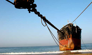 Balochistan CM bans dismantling of ships with oil, LPG at Gadani