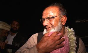 27 سال سے بچھڑے کشمیری خاندان کی ملاقات کی داستان