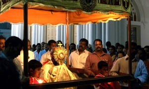 How the Virgin Mary brings together different faiths in Pakistan and India