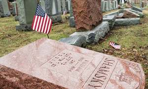Two American Muslim activists raise funds to repair vandalised Jewish cemetery