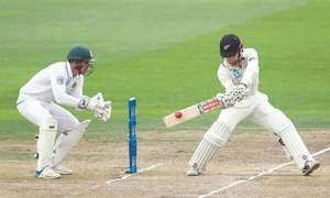 Williamson ton equals NZ record as hosts  move in front