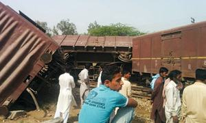 Derailments bring rail traffic to a halt for 10 hours