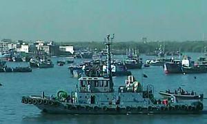 Pakistani vessel hijacked by Somali pirates