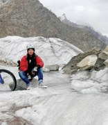 Living Colours: 'I chose to cycle on Biafo to draw attention to Pakistan's glaciers'