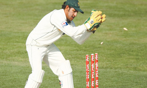 PCB chief hints at appointing Sarfraz as new Test captain