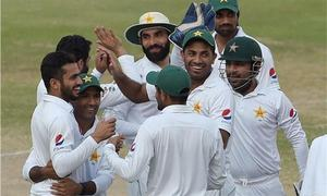 Pakistan bowlers struggle in Test warm-up