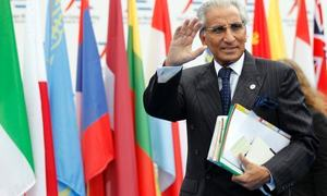 FO rubbishes reports on Fatemi, mulls legal action