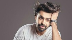 Farhan Saeed pairs up with Shreya Ghoshal for this Half Girlfriend song
