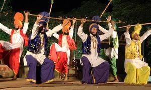ڈانس کا عالمی دن اور پاکستان کے ثقافتی رقص