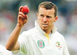 Hohns gives discarded Siddle lifeline
