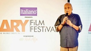 Filmmakers in our country don't work on scripts: Anwar Maqsood