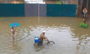 India, Pakistan rush aid as Lanka flood toll reaches 103