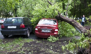 Violent storm kills 13 in Moscow area