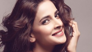 An Indian journalist hopes to interview Saba Qamar via the pen pal method. Will she respond?