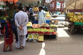 Karachi administration supports social media-driven fruit boycott