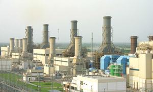New power plant struck by ban on imported fuel