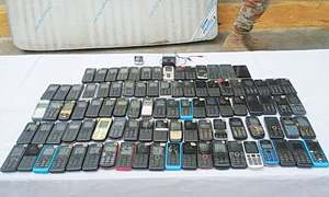 Anti-jamming devices, cell phones seized in Karachi jail