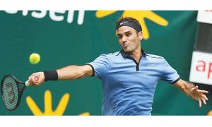 Federer bounces back at Halle Open