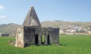 Abandoned places of worship represent Neelah's religious history